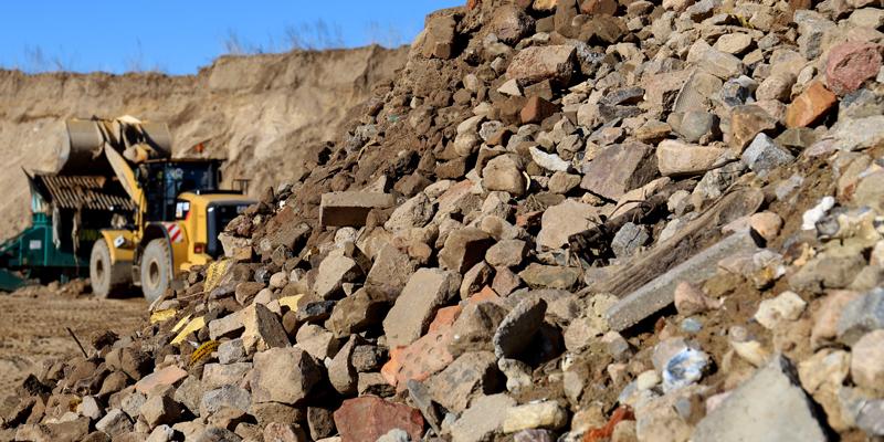 Bagger und Steine